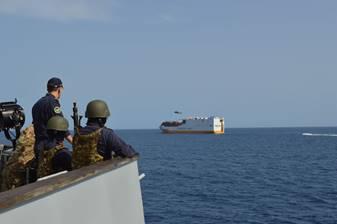 Golfo de Guinea: ejercicio antipiratería, Marina y Guardacostas con Confitarma y Grimaldi