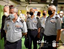 Altos cargos del ejército del Aire visitan el Museo Elder