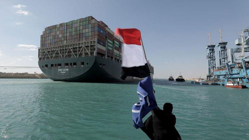 Tras el bloqueo en el canal de Suez, llega el juego de buscar al culpable