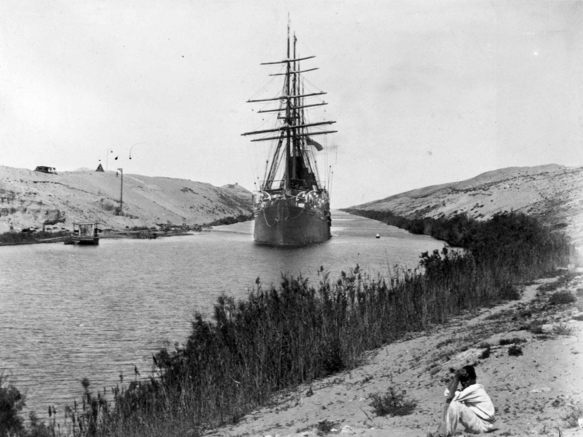 Se insta al Canal de Suez a actualizarse rápidamente para evitar futuras interrupciones