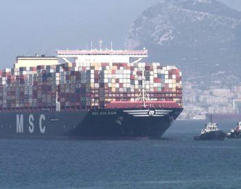 Suez Ripples eleva tarifas para todos los buques portacontenedores