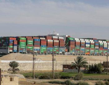 Egipto recupera su orgullo con la reapertura del canal de Suez