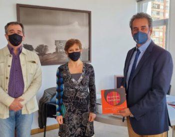 La Autoridad Portuaria de Santander prestará parte de su colección Mini Print Internacional Cantabria al Instituto Cervantes de Burdeos